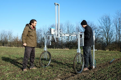 farming.software_spectrometer-on-the-field